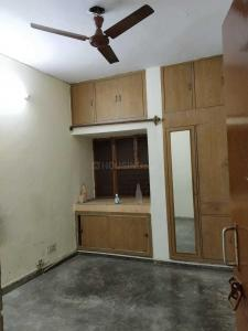 Gallery Cover Image of 1200 Sq.ft 2 BHK Apartment for rent in Sri Keshav Kunj Apartments, Sector 17 Dwarka for 20000