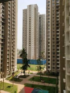 Gallery Cover Image of 1650 Sq.ft 4 BHK Apartment for rent in Thane West for 39000