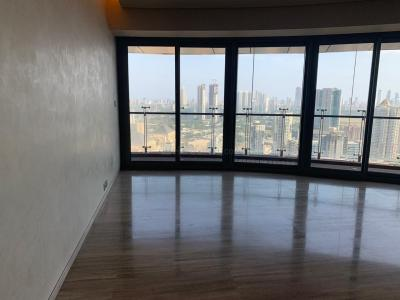 Gallery Cover Image of 2000 Sq.ft 3 BHK Apartment for rent in Lower Parel for 220000