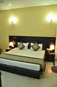 Bedroom Image of Hello World Ross in DLF Phase 2