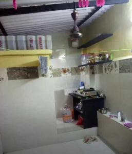 ठाणे वेस्ट में अतुल पीजी के किचन की तस्वीर