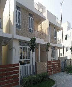 Gallery Cover Image of 1047 Sq.ft 2 BHK Apartment for rent in Perungalathur for 14000
