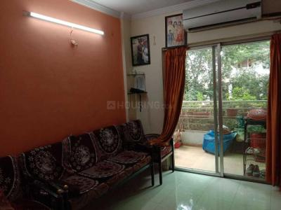 Gallery Cover Image of 1200 Sq.ft 2 BHK Apartment for rent in Kharadi for 18500