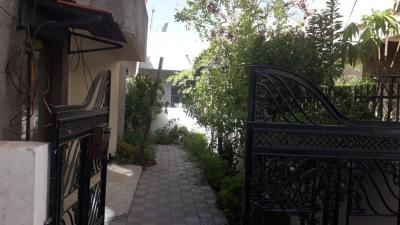 Gallery Cover Image of 950 Sq.ft 2 BHK Independent House for buy in Hari Nagar for 9000000