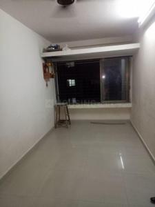 Gallery Cover Image of 450 Sq.ft 1 BHK Apartment for rent in Parel for 20000