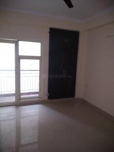 Gallery Cover Image of 1350 Sq.ft 3 BHK Apartment for rent in Sector 75 for 19000