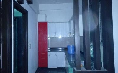 Gallery Cover Image of 1000 Sq.ft 2 BHK Apartment for rent in Gyan Khand for 12000