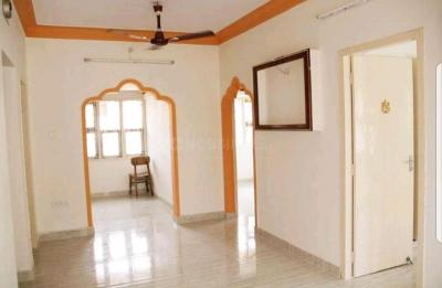 Gallery Cover Image of 820 Sq.ft 2 BHK Apartment for buy in Mylapore for 7600000