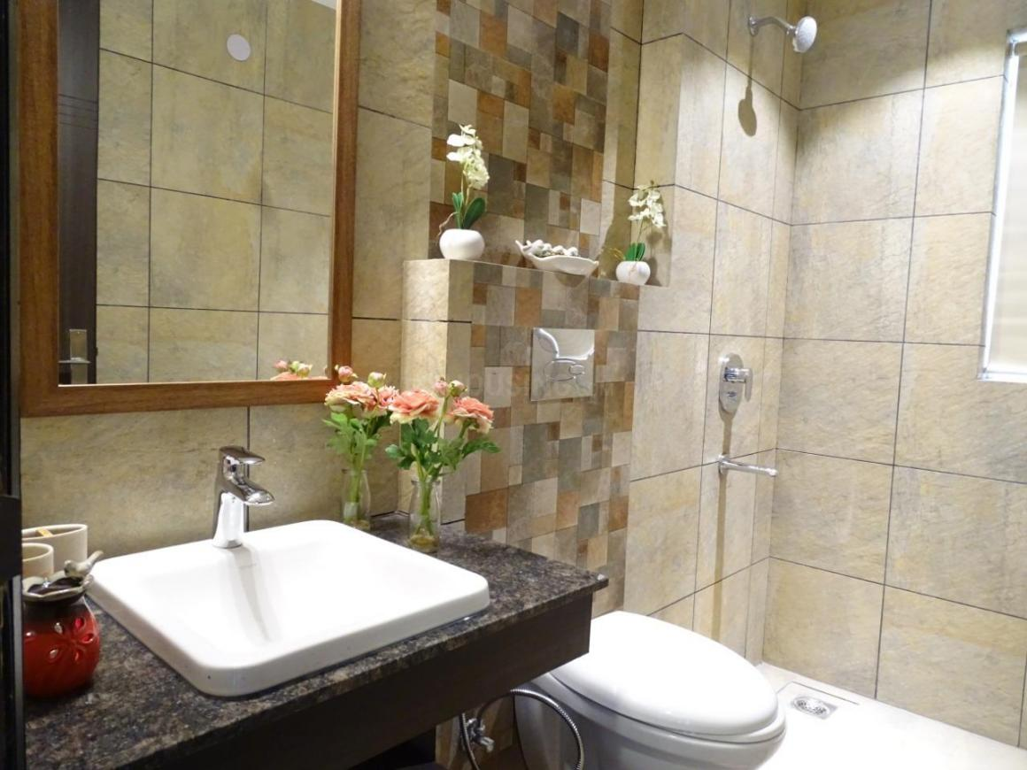 Common Bathroom Image of 3600 Sq.ft 4 BHK Independent Floor for buy in DLF Phase 2 for 45000000