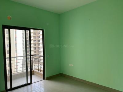 Gallery Cover Image of 1235 Sq.ft 3 BHK Apartment for rent in Siddha Water Front, Khardah for 15000