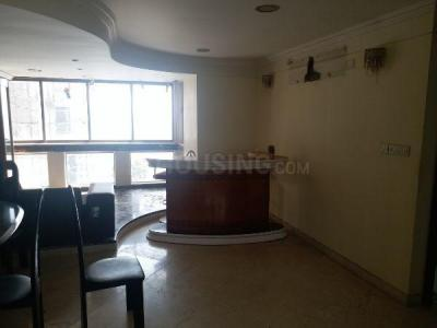 Gallery Cover Image of 2000 Sq.ft 3 BHK Apartment for rent in Juhu for 175000