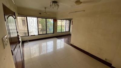 Gallery Cover Image of 997 Sq.ft 2 BHK Apartment for rent in Devansh Villa, Bandra West for 90000