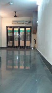 Gallery Cover Image of 850 Sq.ft 2 BHK Apartment for rent in Kodambakkam for 20000