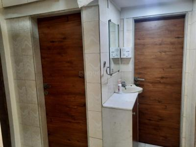 Gallery Cover Image of 520 Sq.ft 1 BHK Apartment for rent in Vile Parle East for 30000