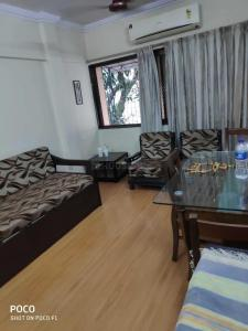 Gallery Cover Image of 710 Sq.ft 1 BHK Apartment for rent in Andheri East for 32100