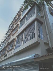 Gallery Cover Image of 632 Sq.ft 2 BHK Apartment for buy in Dum Dum Cantonment for 1764000