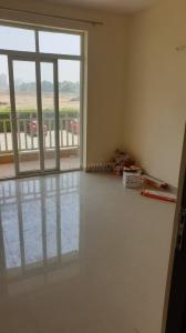 Gallery Cover Image of 1800 Sq.ft 3 BHK Apartment for rent in DLF Regal Gardens, Sector 90 for 23000