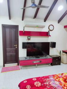 Gallery Cover Image of 2600 Sq.ft 4 BHK Independent Floor for rent in Neelankarai for 65000