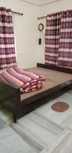 Gallery Cover Image of 500 Sq.ft 2 BHK Independent Floor for rent in Salt Lake City for 12000