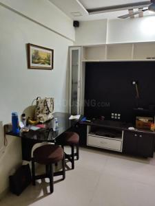 Gallery Cover Image of 660 Sq.ft 2 BHK Apartment for rent in Anita Nagar CHS, Kandivali East for 27000