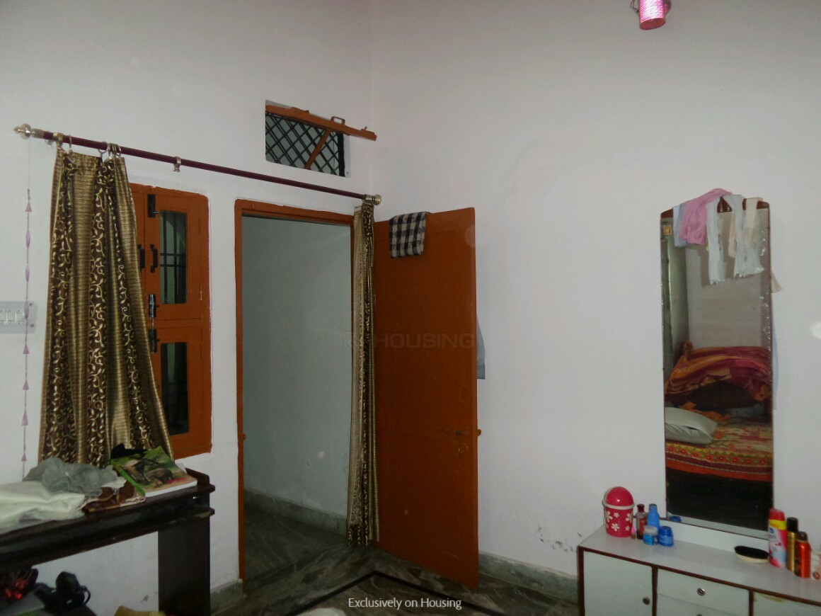 Bedroom One Image of 900 Sq.ft 3 RK Independent House for buy in Jawahar Colony for 2600000