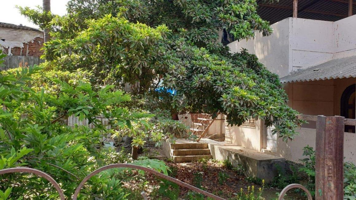 Building Image of 1000 Sq.ft 2 BHK Independent House for buy in Malad West for 20000000