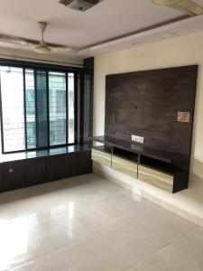 Gallery Cover Image of 340 Sq.ft 1 RK Apartment for rent in Shivaji Raje Complex, Malad West for 15000