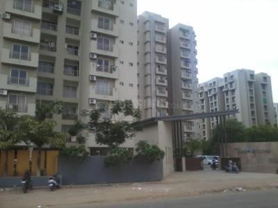 Gallery Cover Image of 1064 Sq.ft 2 BHK Apartment for buy in Makarba for 4600000