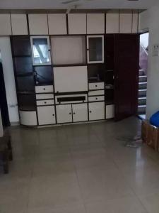 Gallery Cover Image of 750 Sq.ft 2 BHK Apartment for rent in Andheri East for 36000