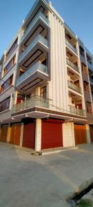 Gallery Cover Image of 855 Sq.ft 3 BHK Independent Floor for buy in Sector 24 Rohini for 5500000