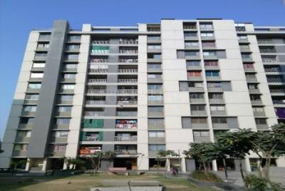 Gallery Cover Image of 1341 Sq.ft 2 BHK Apartment for rent in Motera for 12500