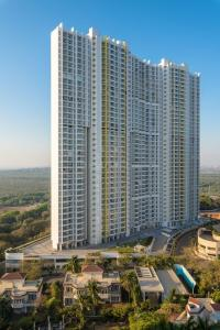 Gallery Cover Image of 1090 Sq.ft 2 BHK Apartment for buy in Raheja Exotica Sorento, Madh for 16500000