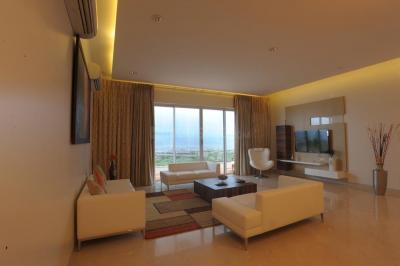 Gallery Cover Image of 2585 Sq.ft 3 BHK Apartment for rent in Parel for 135000