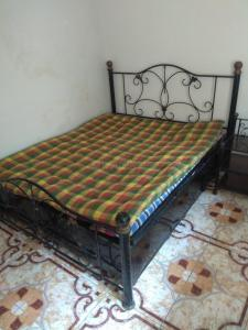 Gallery Cover Image of 650 Sq.ft 2 BHK Apartment for rent in Andheri West for 50000
