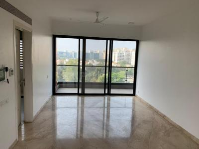 Gallery Cover Image of 2600 Sq.ft 3 BHK Apartment for rent in Hadapsar for 55000