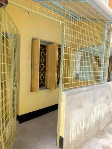 Gallery Cover Image of 650 Sq.ft 1 BHK Independent Floor for rent in Bijoygarh for 8000