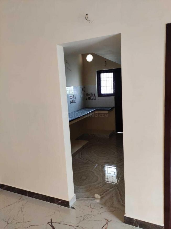 Kitchen Image of 860 Sq.ft 2 BHK Apartment for buy in Perumalpattu for 3870000