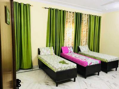 Bedroom Image of Raj PG Accommodation in New Industrial Township