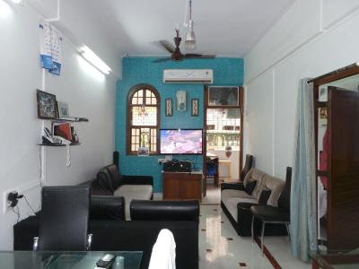 Gallery Cover Image of 1050 Sq.ft 2 BHK Apartment for buy in Worli for 40000000