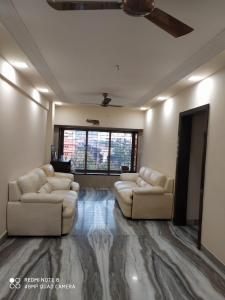 Gallery Cover Image of 1200 Sq.ft 2 BHK Apartment for rent in Tirath Apartments, Vile Parle West for 65000