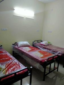 Bedroom Image of Jai Sri Ram Mens Hostel in Thoraipakkam