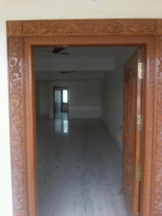 Main Entrance Image of 2000 Sq.ft 4 BHK Apartment for rent in Porur for 35000