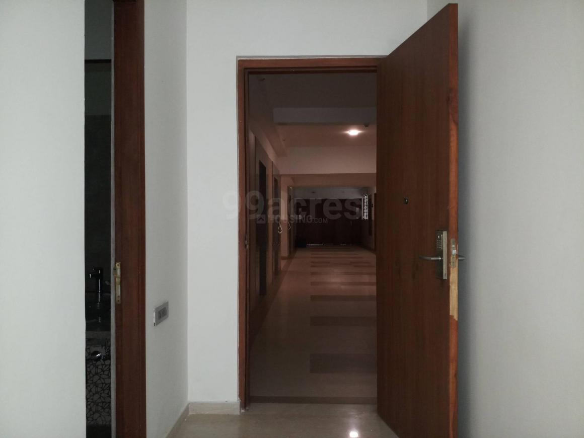 Bedroom Image of 650 Sq.ft 1 BHK Apartment for rent in Kandivali East for 20000