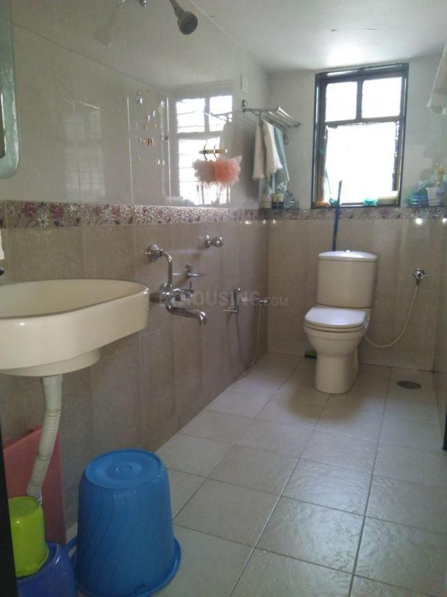 Common Bathroom Image of 2000 Sq.ft 3 BHK Independent House for buy in Chandan Nagar for 14000000