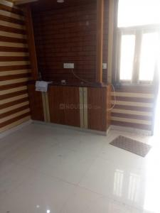 Gallery Cover Image of 1000 Sq.ft 2 BHK Apartment for rent in Sector 13 Dwarka for 15000