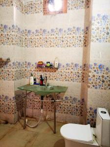 Bathroom Image of Shrama PG in Sector 49