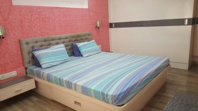 Gallery Cover Image of 2250 Sq.ft 3 BHK Apartment for rent in Ballygunge for 75000