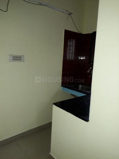 Kitchen Image of 700 Sq.ft 1 BHK Independent Floor for rent in Thoraipakkam for 14000