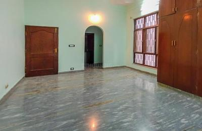 Gallery Cover Image of 3000 Sq.ft 3 BHK Independent House for rent in Banjara Hills for 84000