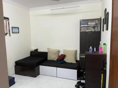 Gallery Cover Image of 550 Sq.ft 1 BHK Apartment for rent in Bandra West for 80000